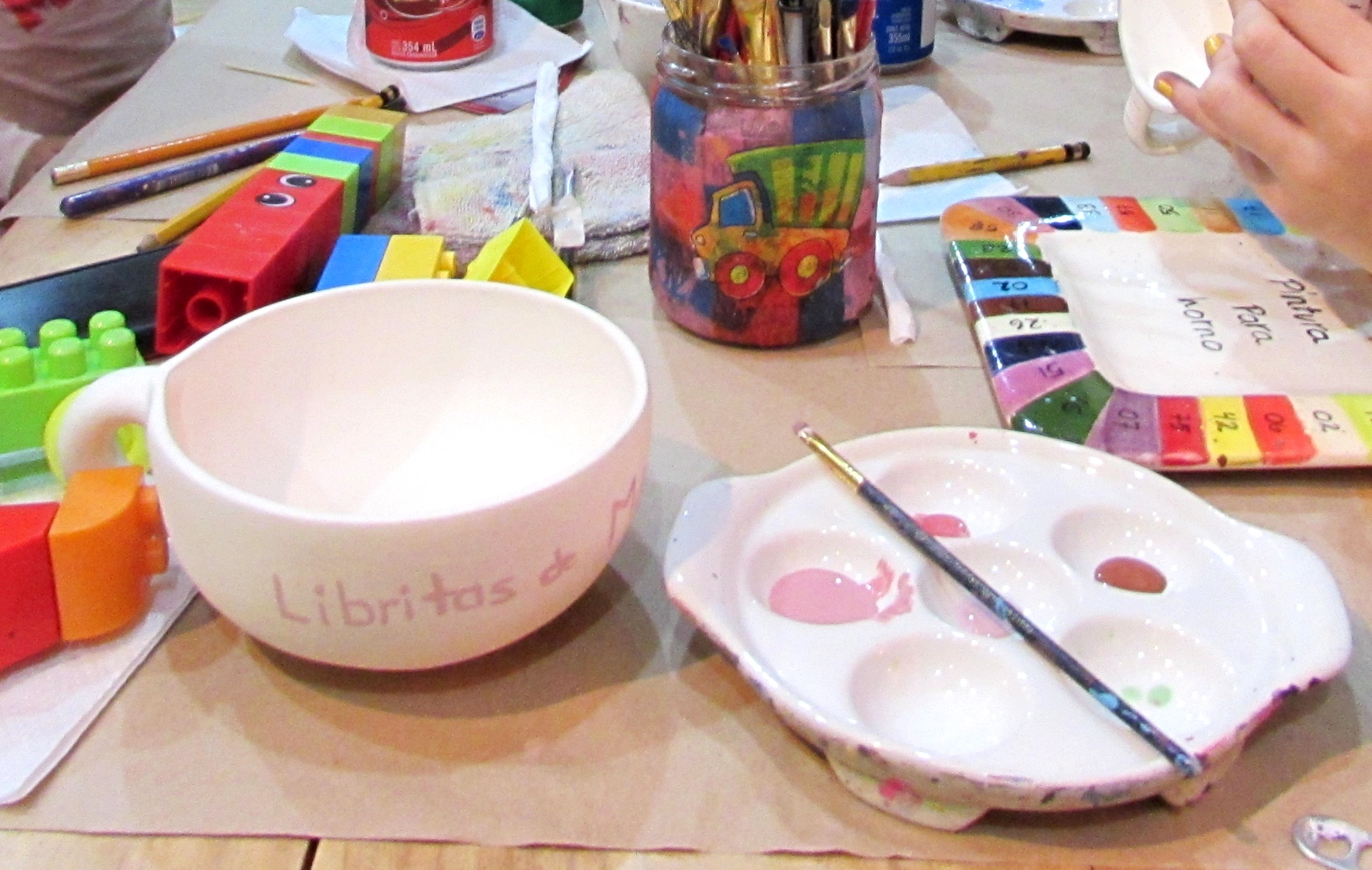 """Paint your own coffee mug Party""… Cerámica & Café Studio"