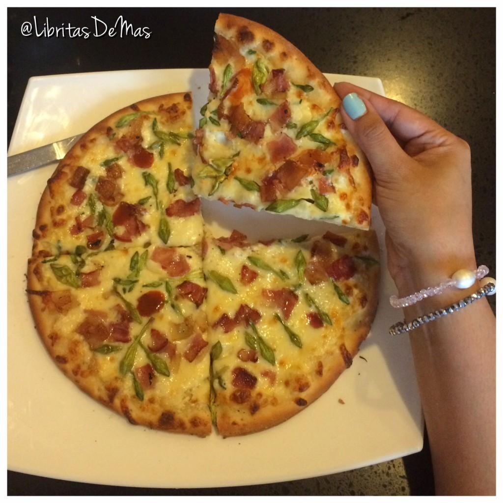 Krisppys, libritas de mas, restaurante, el salvador, pizza, italian food, food, food blog, garlic rolls, lasagna, lasagña, pizza