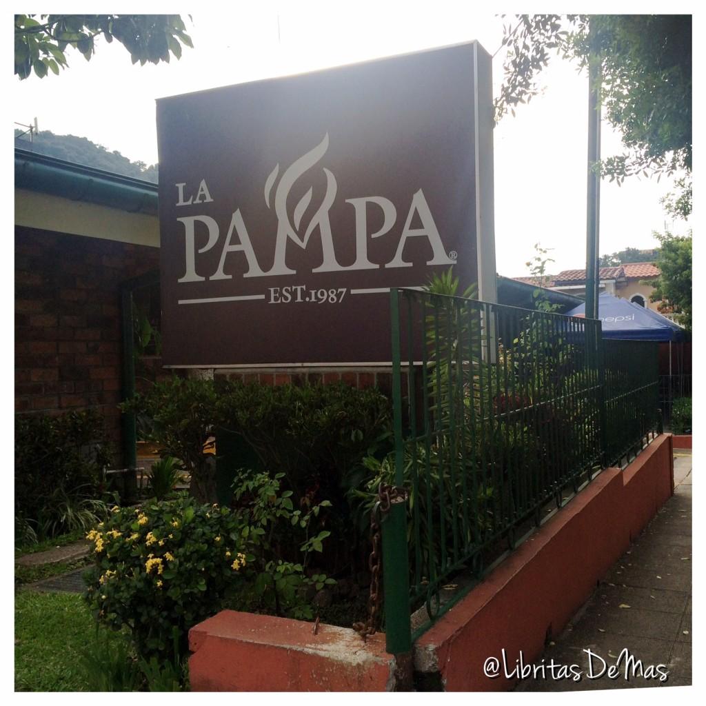 La Pampa, restaurante, el salvador, libritas de mas, carne, churrasco, tiramisu, libritas de mas, food blogger, food, food blog, rotulo, entrada