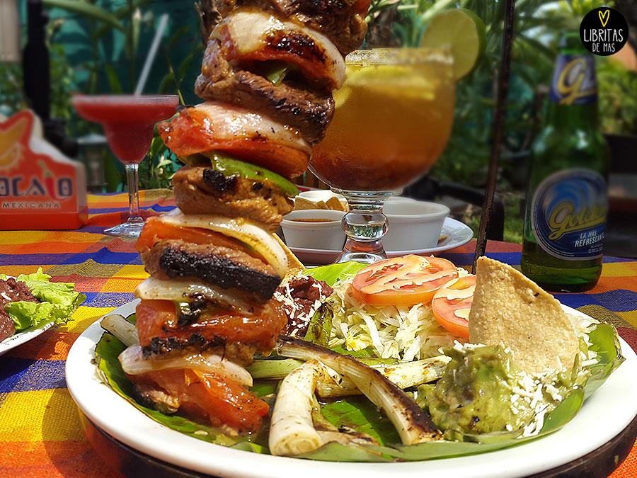Comida Mexicana Taquiza Carne Frijoles Queso Guacamole Libritas De Mas El Zocalo Restaurante El Salvador Platillo Micheladas El Zocalo Jalapenos Frijolitos Burrito Enorme Food Blog Blog Decomida Blogs De El Salvador Alka